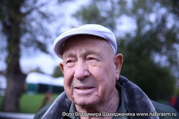 космонавт Леонов Алексей