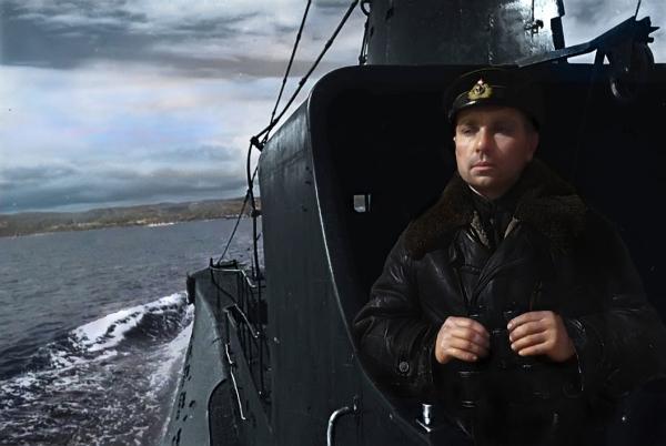 Герой Советского Союза, командир подводной лодки Щ-421 (позднее — К-21) контр-адмирал Н.А. Лунин, 1942 г.
