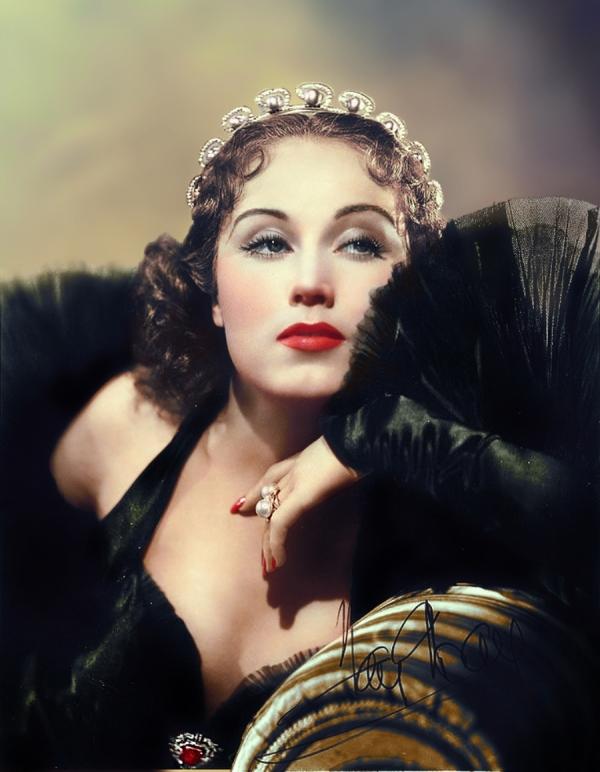 Вайна Фэй-Рэй, американская актриса