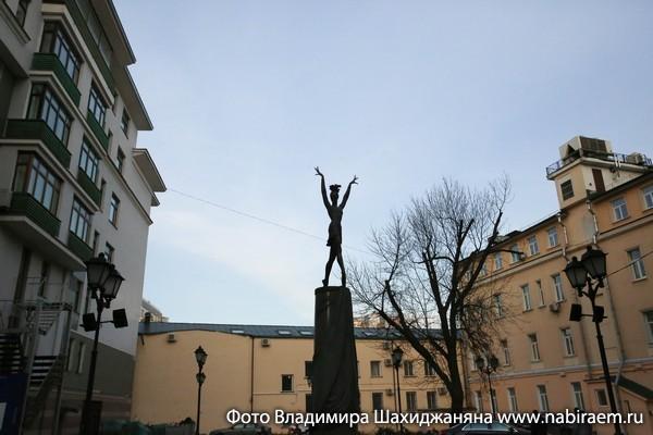 Памятник Плисецкой