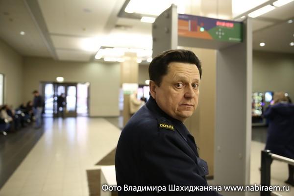 охранник Микаев