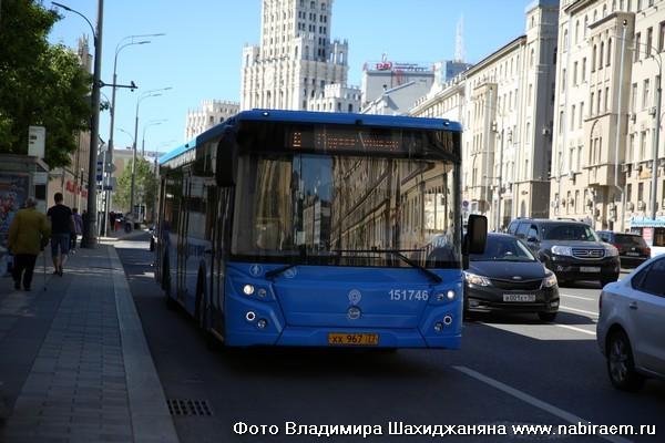 Автобус на Садовом кольце
