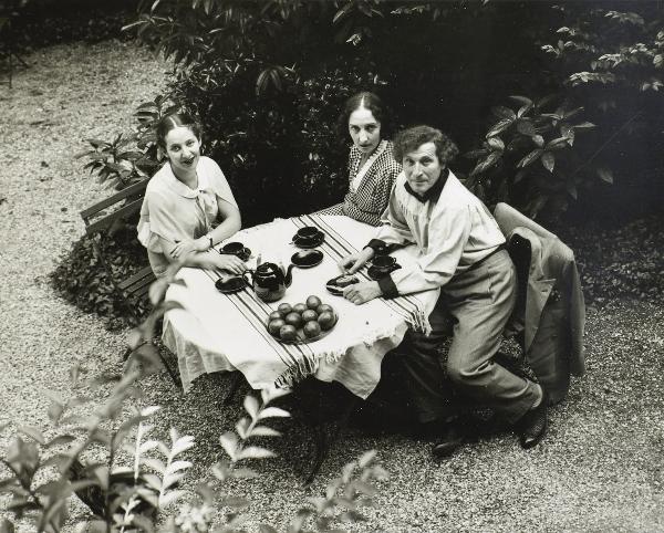 Марк Шагал с семьёй