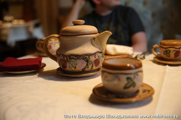 Чайник и чашки ручной работы