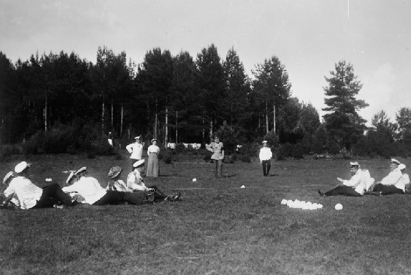 Перетягивание на веревке  Финские шхеры, 1911  РГАКФД