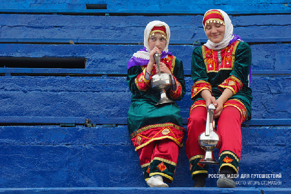 «Девушки с кувшинами». Автор фото: Игорь Стомахин