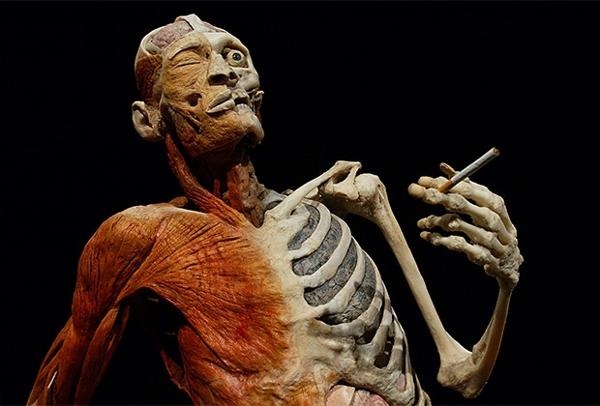 Лечение курильщиков предлагают включить в ОМС